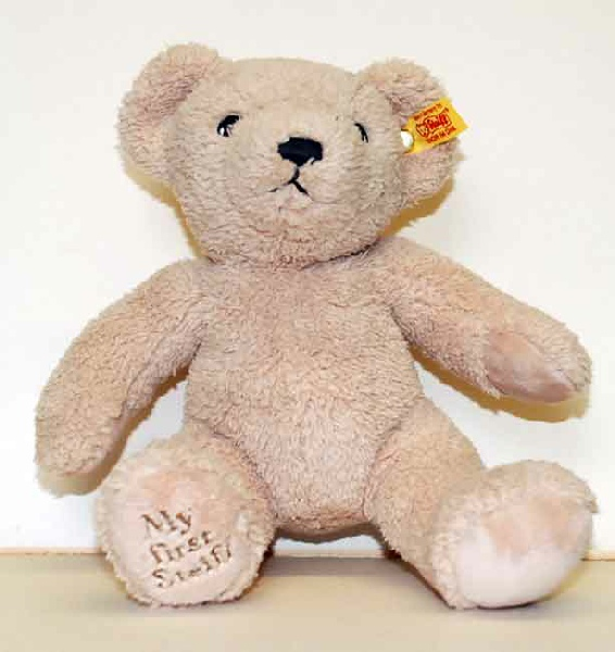 c5fd68b5b08c The world class designer of Teddy Bears Margarete Steiff continues to make  outstanding collectable bears in their traditional manner.